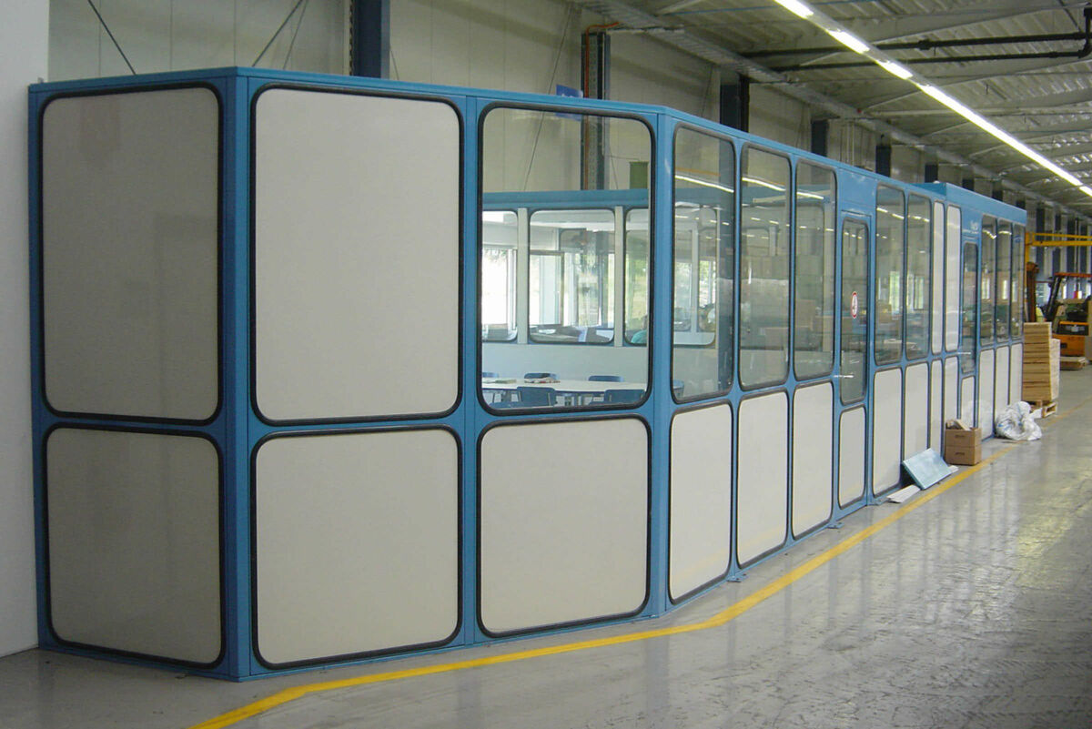 Partition wall system in production hall