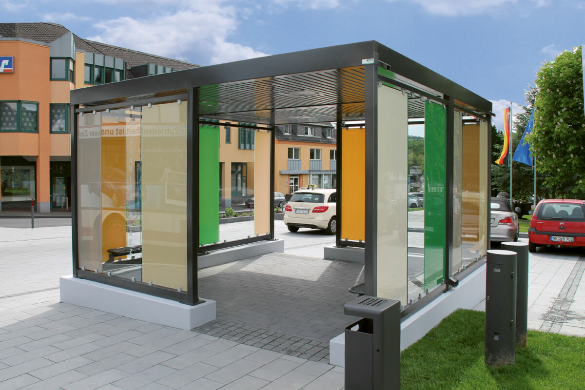 Modern, individual roofing system with different glass colours